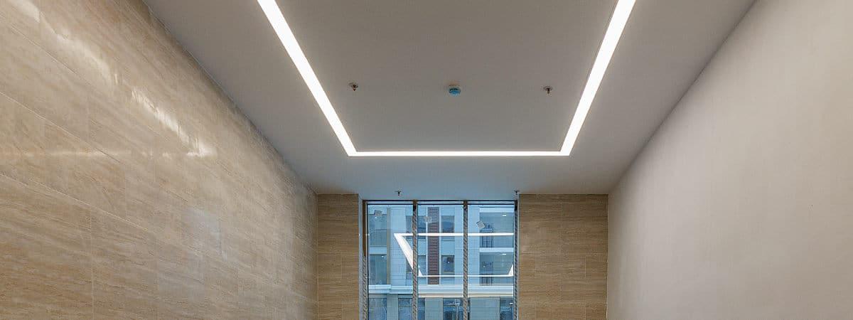 lichtdoorlatend spanplafond plaatsen